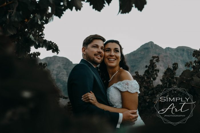 Wedding photographer Garden Route. Affordable and reliable wedding photography. Best value for money special offer. Lockdown special